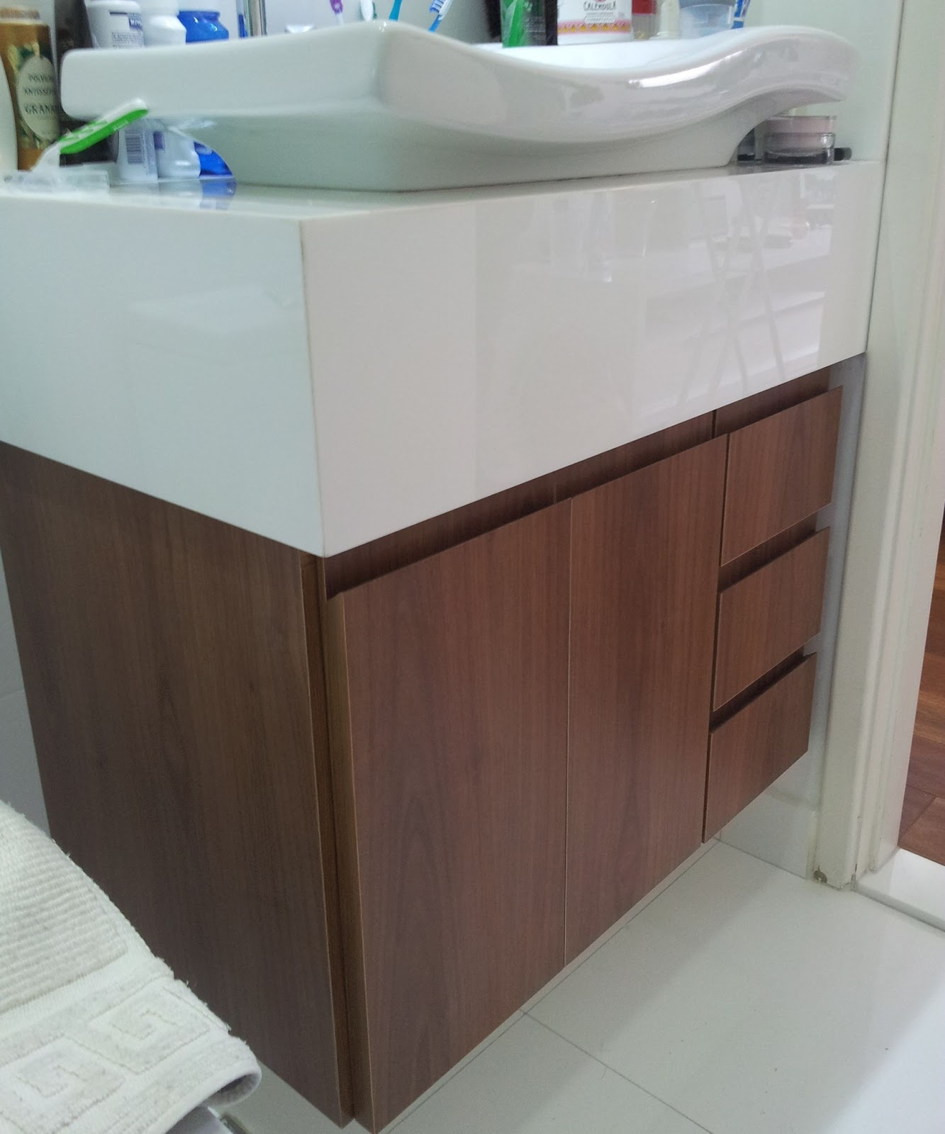 Móveis Planejados: Gabinete de Banheiro #60443B 1333x1600 Banheiro Com Gabinete De Madeira
