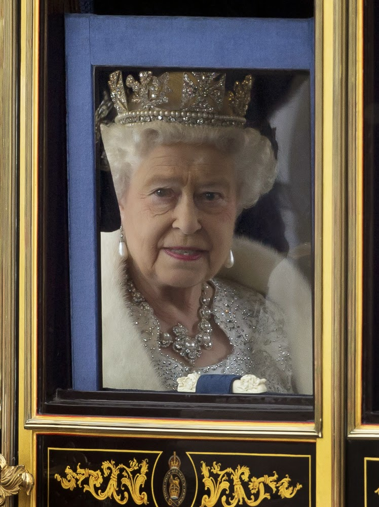 regina+elisabetta+visita