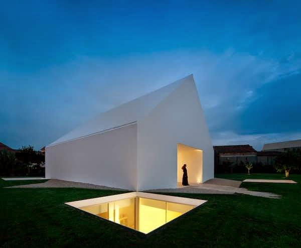 Combine House And Basement Make A Minimalist House Design With Simple White  Concept