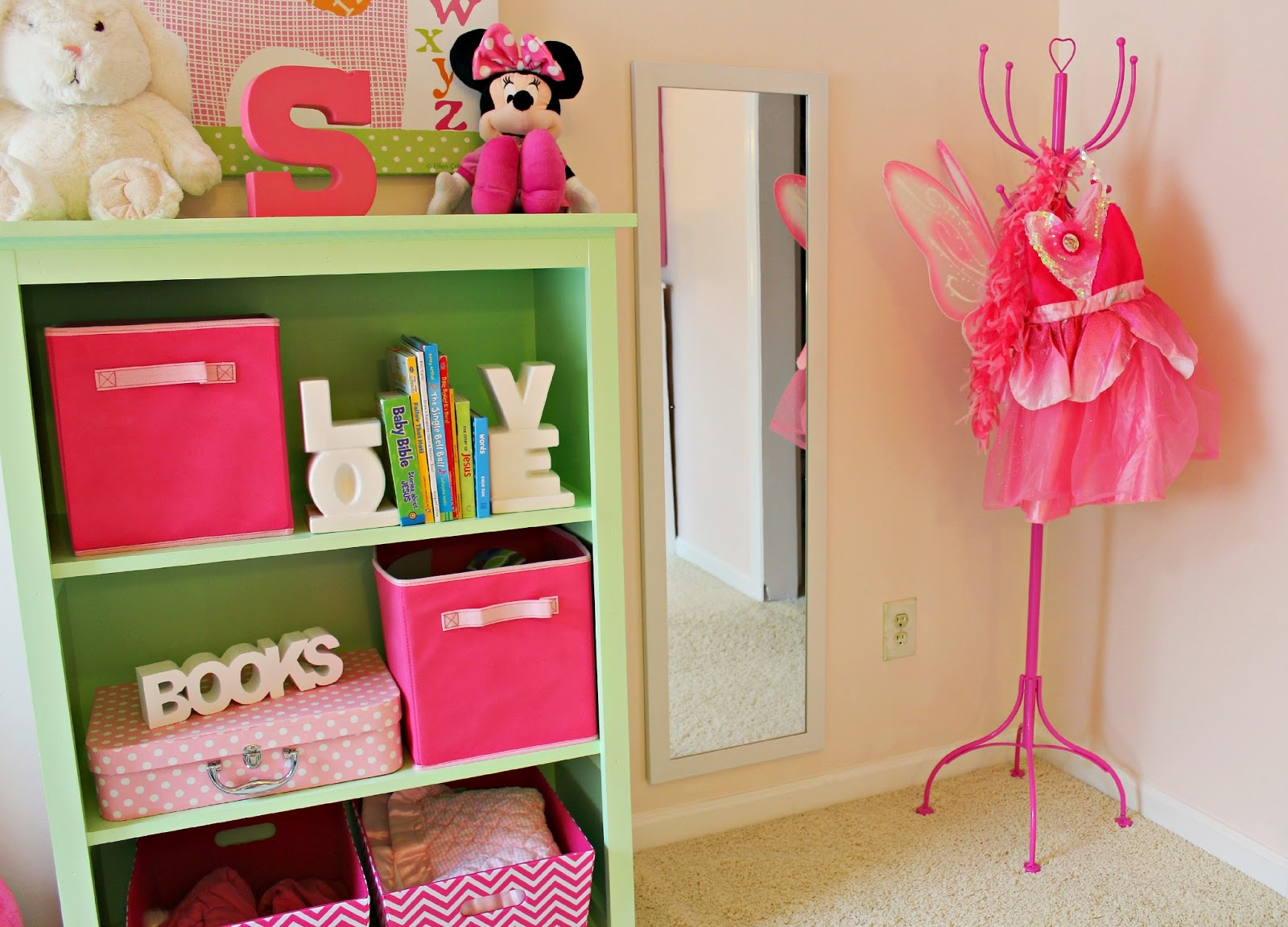 Http Rachel Nconmymind Blogspot Com 2013 06 Big Girl Bedroom Dress Up Area Html
