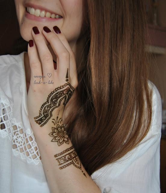 lack a like alles ber henna. Black Bedroom Furniture Sets. Home Design Ideas
