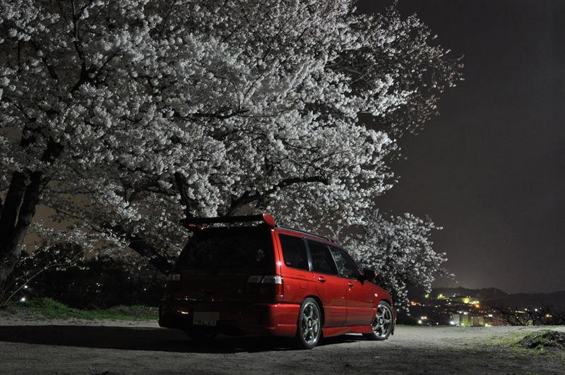 Subaru Forester SF, japoński samochód, motoryzacja, jdm, zdjęcia, fotki, photos, tuning, nocna fotografia, samochody nocą, po zmroku, auto, terenowy, suv