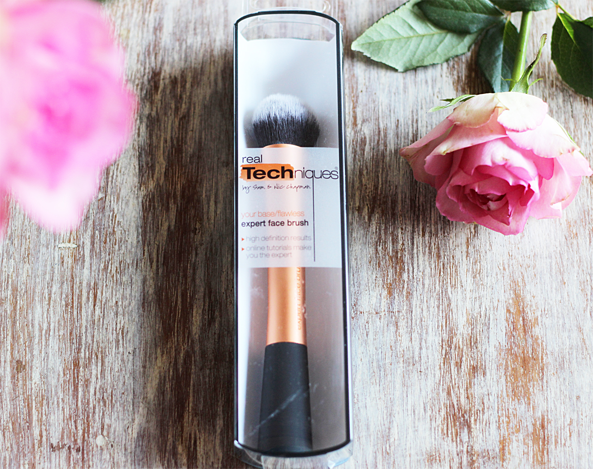 Real Techniques Expert Face Brush Review, beauty blogger cape town, beauty blogger, foundation brush review, real techniques brushes south africa,real techniques south africa
