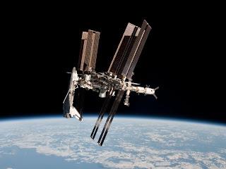 Снимок МКС вместе с шаттлом Endeavour, сделанный  с борта корабля Союз