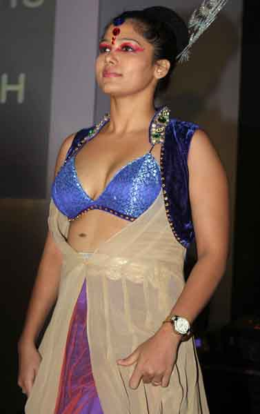 Mallu Aunty Ramp Walk at Magicon Mobile Launch Event