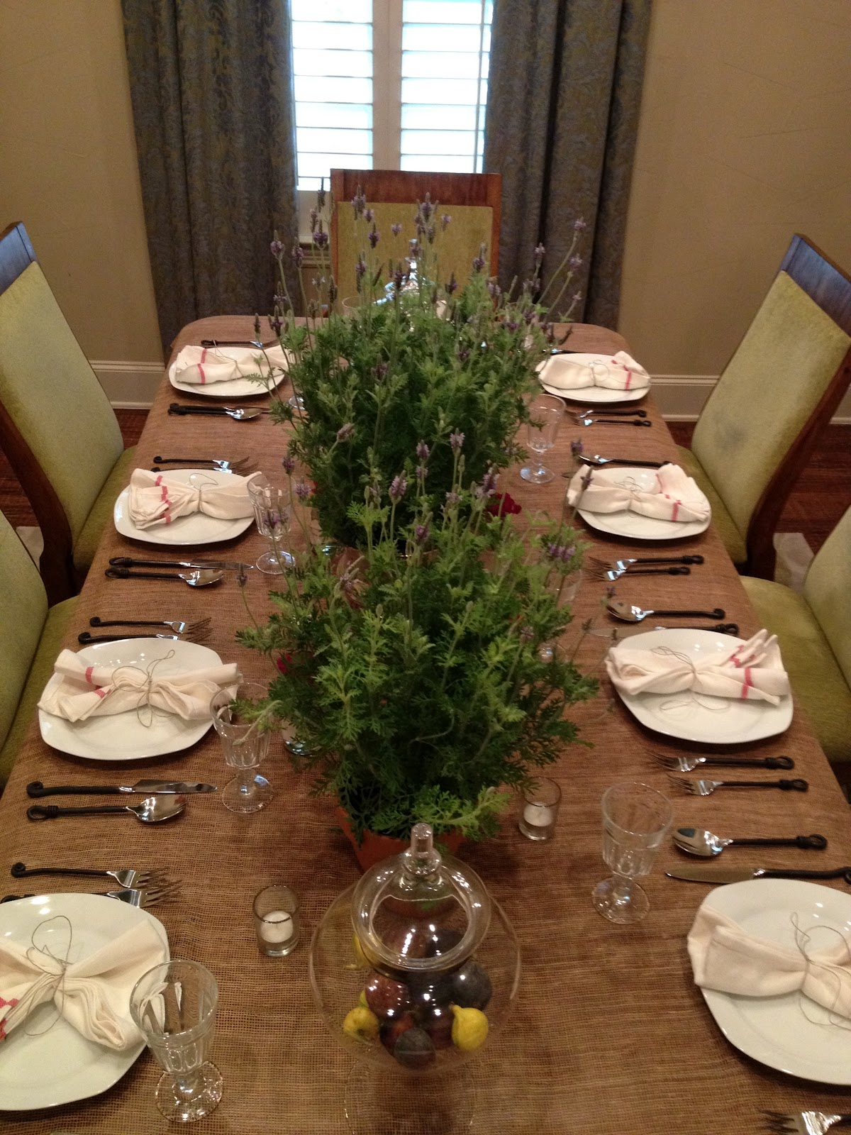 Foodie worthy French themed table decorations & French Themed Table Decorations - Home \u0026 Furniture Design ...