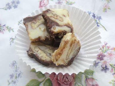 Cubulete cu ciocolata, pecan si rom