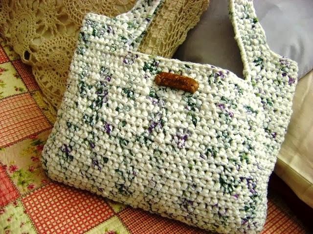 artesanato feito com sacolas plásticas