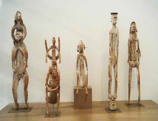 Imag-5_cultura-munecos-tallados-melanesia