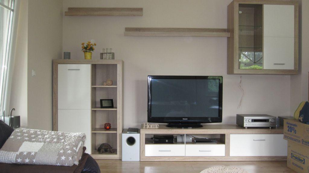Wohnwand Beleuchtung Kabel : Die Wohnwand ist nun auch vollst?ndig Die Schr?nke sind allerdings