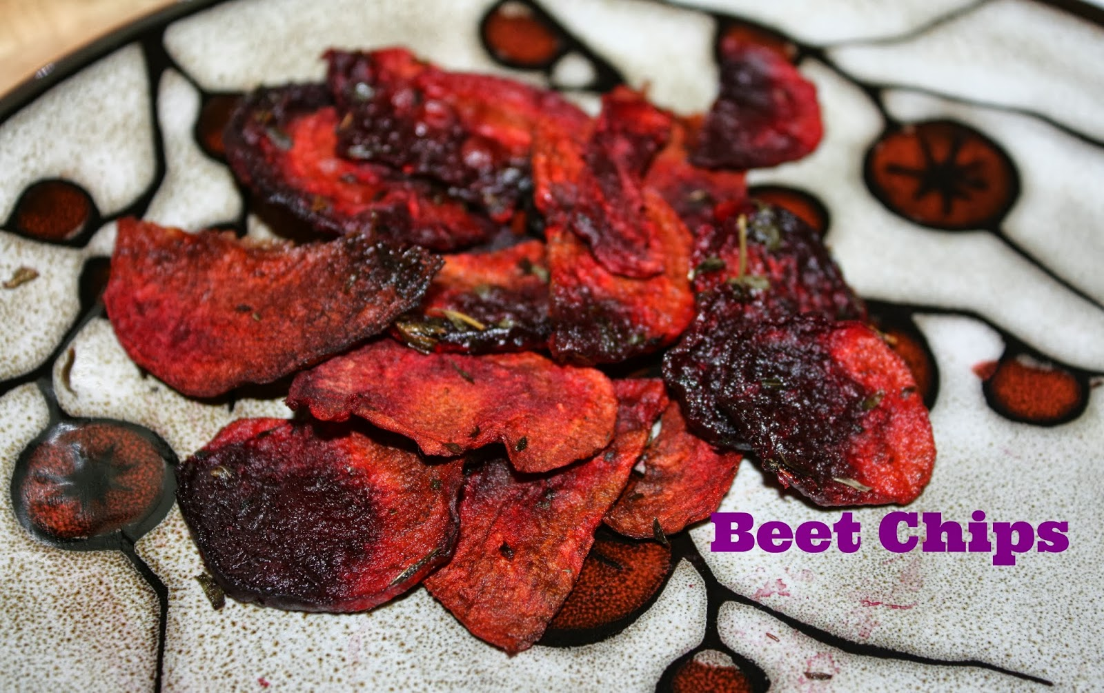 Little Time and a Keyboard: Yummy Beet Chips! {Recipe}