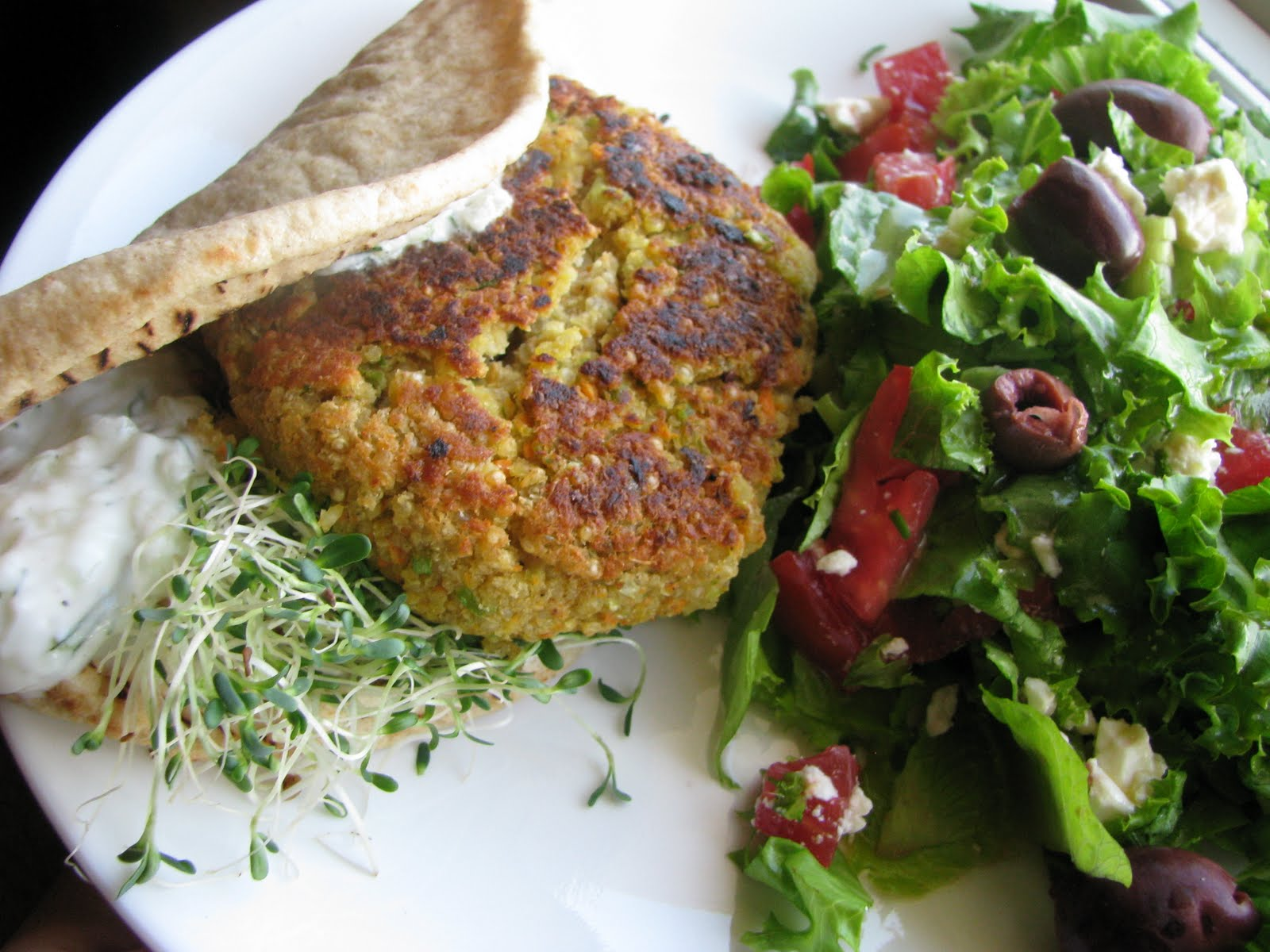Busy Little Kitchen: Greek-Style Quinoa Burgers