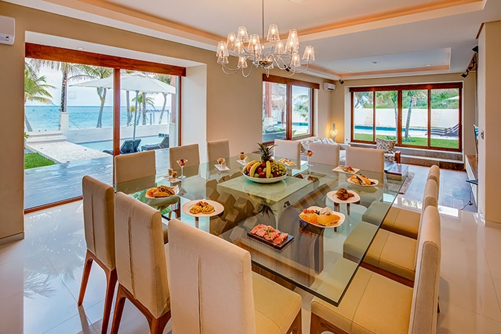Dining room in Modern villa on the beach in Mexico