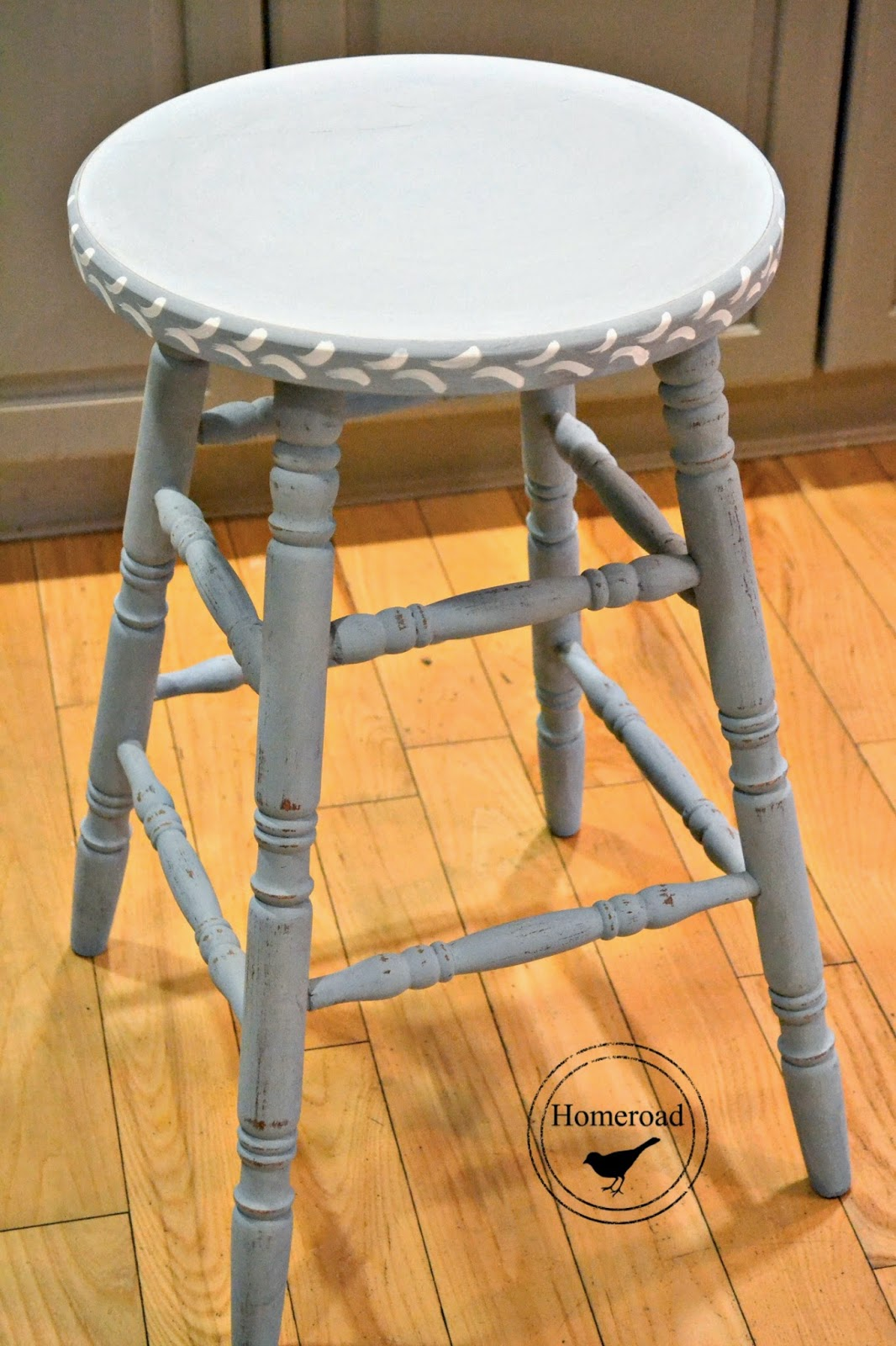 miss mustard seed milk paint stool www.homeroad.net
