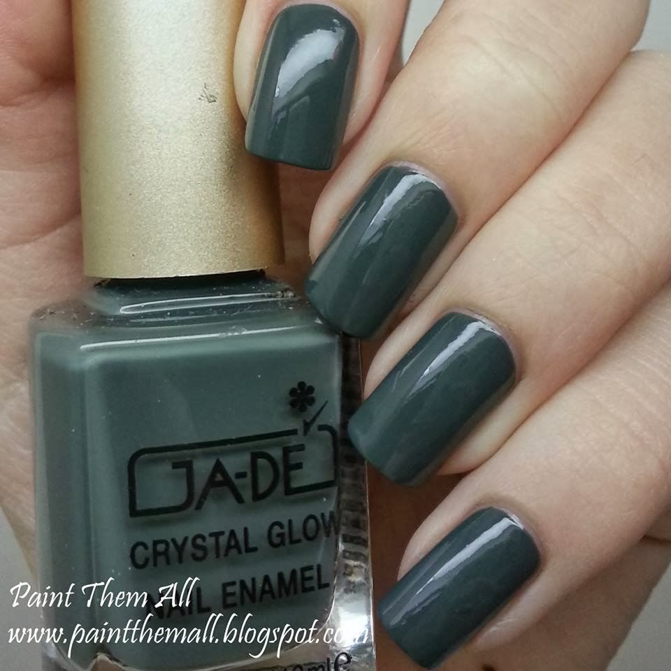 Glitter Gradient with Ga-de Military Style & Ciate Locket