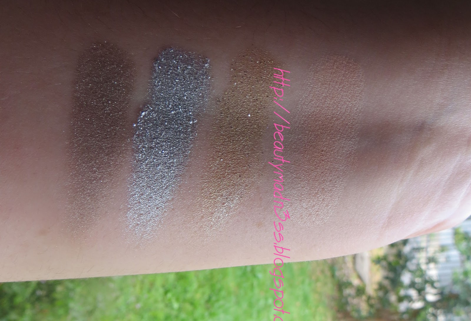 Urban Decay  Glinda Palette Swatches