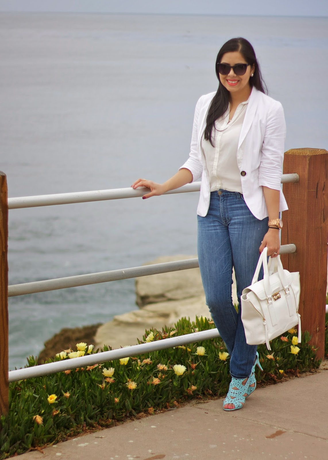 white blazer by the beach, la jolla outfit, la jolla san diego fashion