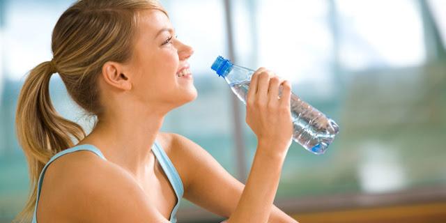 4 Kebiasaan Sehari-Hari Yang Bisa Mencegah Dehidrasi