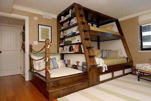 Tempat Tidur Bertingkat yang Bersatu Dengan Rak Buku