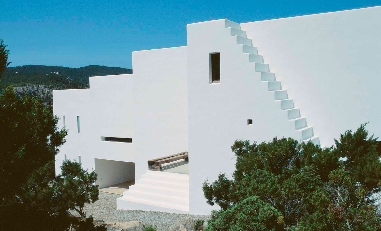 Habitar el mediterr neo ram n esteve casa na xemena 2003 for Manana abren los bancos en espana