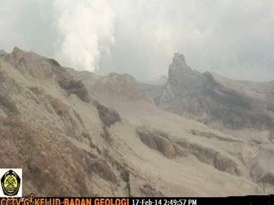 erupsi pada 13 Februari 2014