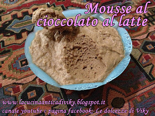 mousse al cioccolato al latte (+ video ricetta)
