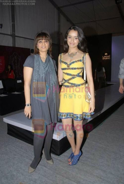 Shraddha Kapoor, Neeta Lulla at designer Nishka Lulla Show at Lakme Fashion Week 2011 Day 1 in Grand Hyatt