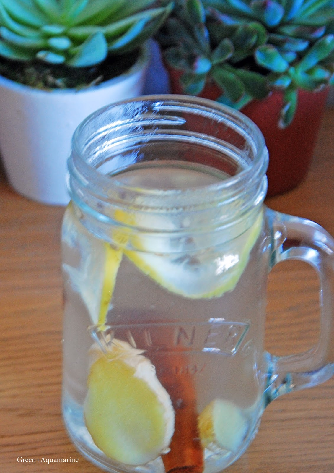 Alkalising lemon infusion fromThree tips to stay healthy this autumn and fall. via @eleanormayc