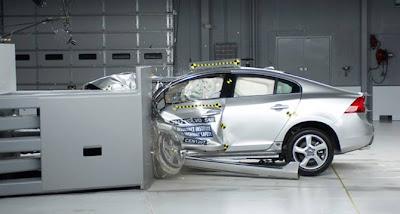 Inilah Mobil Paling Aman 2013