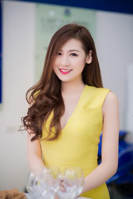 Hiện tại, Á hậu khá bận rộn với lịch thực tập và chuẩn bị làm luận văn tốt nghiệp Học viện Báo chí và tuyên truyền Hà Nội.