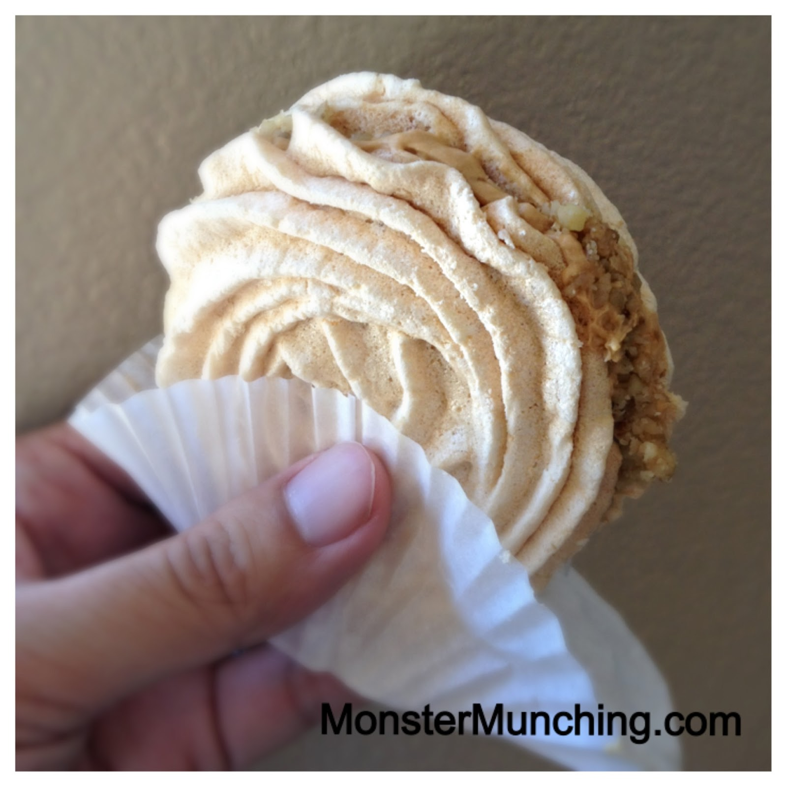 ... Munching: Meringue Cookie Sandwiches at Karina's Cake House - Glendale