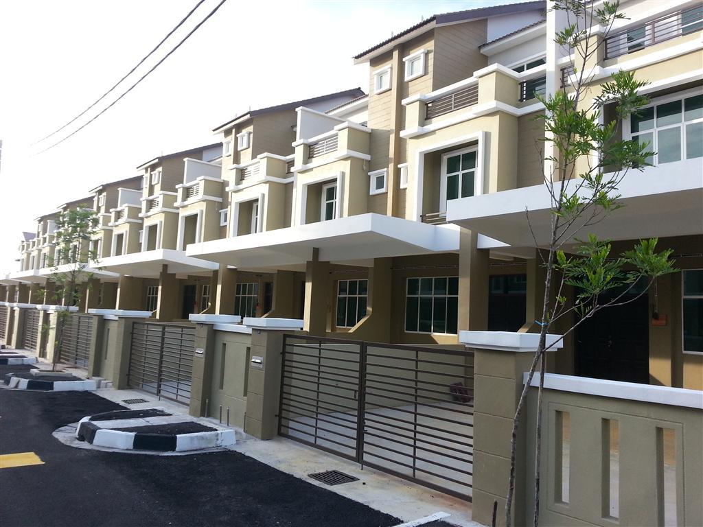 Living at taman merbau indah two and half storey terrace for 3 storey terrace house
