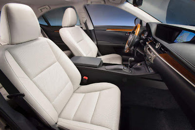 2013_Lexus_ES_350_and_300h_Interior