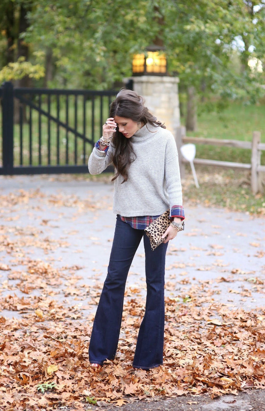 fall outfit idea pinterest 2015, fall outfit with flare jeans pinterest, plaid shirt with flair jeans and leopard clutch pinterst, fall ootd 2015, how to style flared denim, emily gemma, best flare denim 2015, plaid shirt under sweater