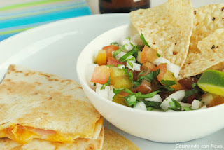 Quesadillas con pico gallo