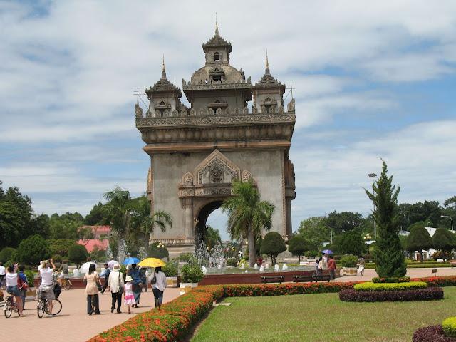 Patuxay - Những điểm tham quan nổi bật ở Viên Chăn Lào