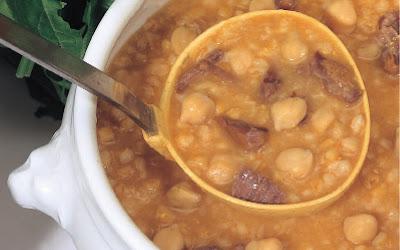 حساء القمح المقشور والحمص