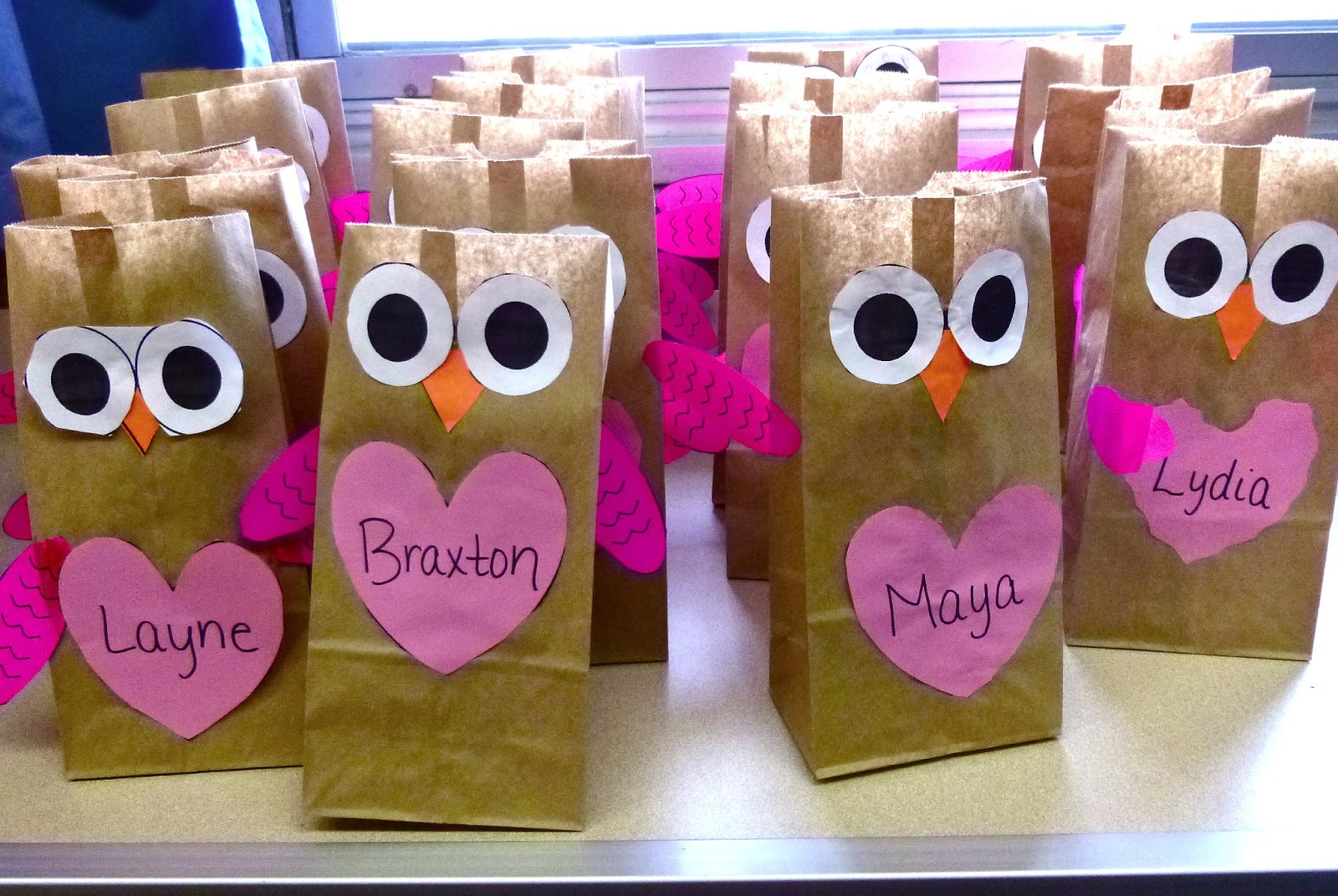 ive been making a few activities that correlate with stories that ive been placing in the listening center for my students ive uploaded the cats vs - Valentine Treat Bag Ideas
