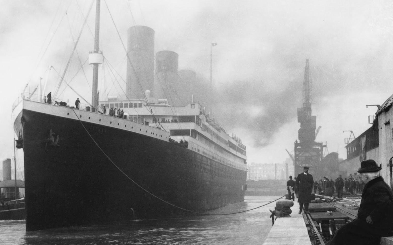 http://2.bp.blogspot.com/-L5w69dDm1o4/T5Gs-czMfQI/AAAAAAAAAsk/UeKWXfl5cDU/s1600/Titanic_Wallpaper_by_whatnotdude.jpg