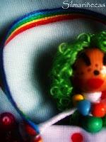 Un arcoiris en la solapa-
