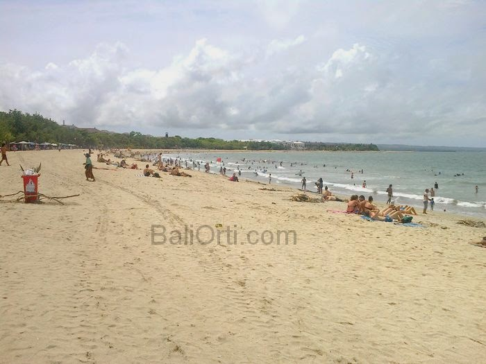 Kuta Beach Bali is very dirty by garbage