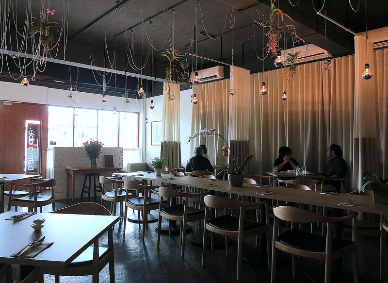 Eat drink kl brunch bistro a table for Table 6 brunch denver