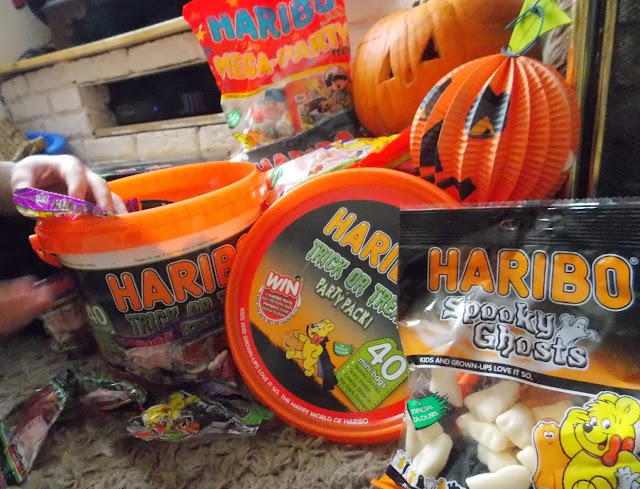 haribo trick or treat sweets tub