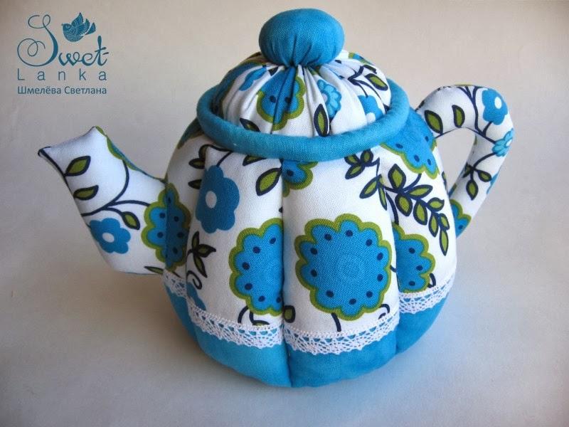 чайник в цветочной расцветке