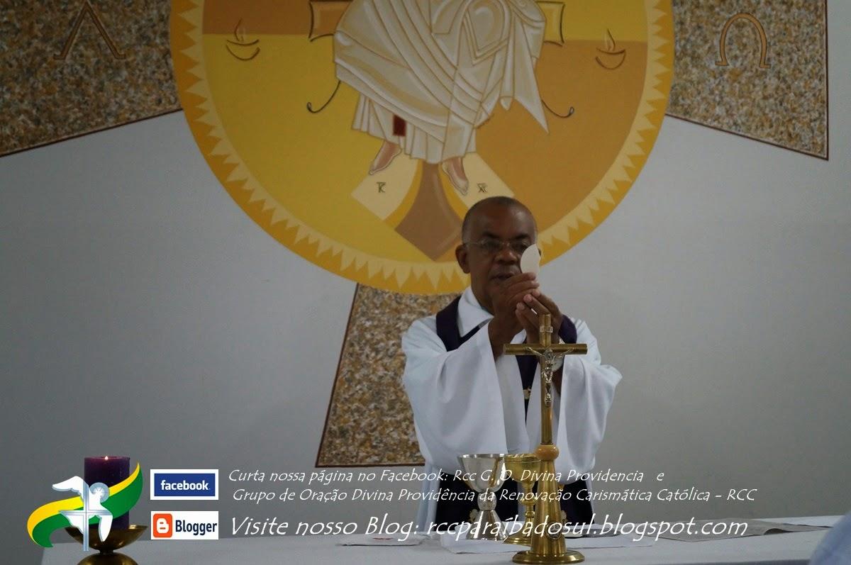 Santa Missa Celebrada por Padre Décio - Domingo 23/03/2014