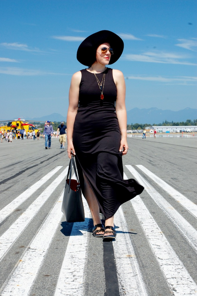 Forever 21 maxi dress, H&M wool hat, Mansur Gavriel tote bag Vancouver fashion blog