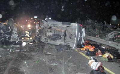 Foto Kendaraan Hancur dan Korban Kecelakaan Maut di jalan Tol, Diakibatkan oleh Anak Ahmad Dhani