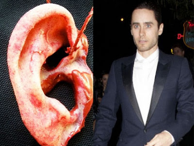 regalo oreja humana falsa a Jared Leto