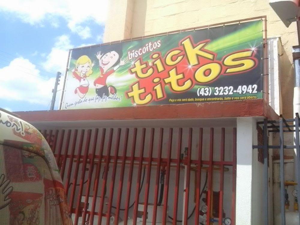 Aqui tem uma foto da fachada da Tick Titos