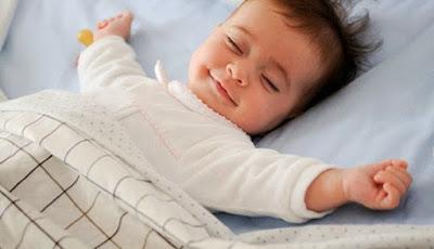 Tips Merawat Bayi Baru Lahir Secara Maksimal, merawat bayi baru lahir, Buat Bayi Nyaman, Jadwalkan Perkembangan Bayi, Tidur Ketika Bayi Tidur, Bertanya, Berikanlah ASI.